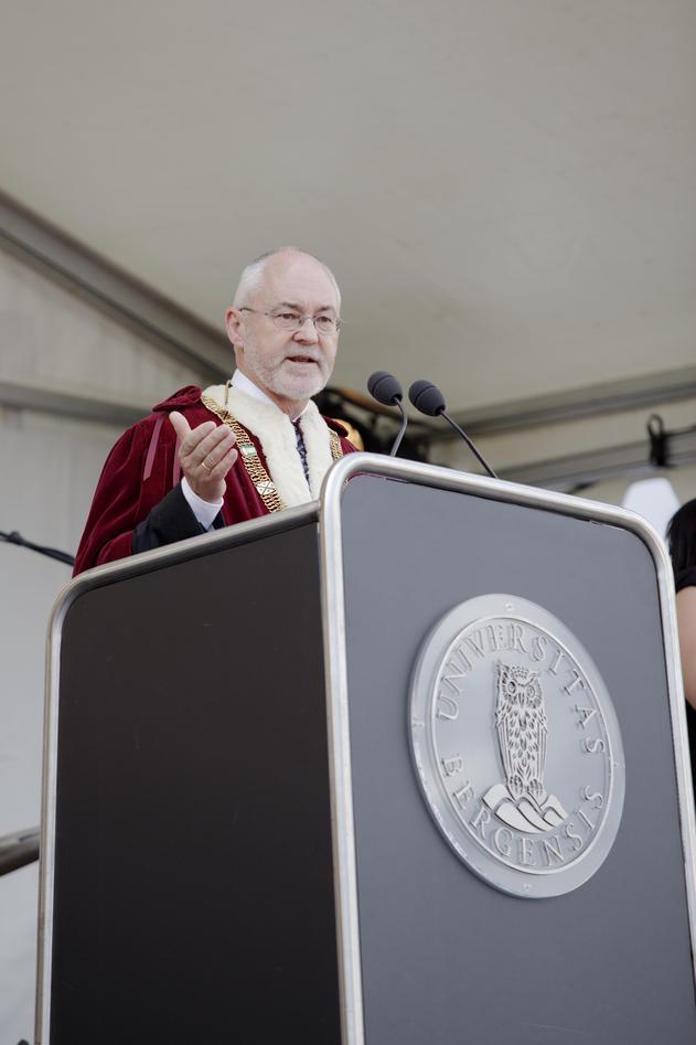 Rektor Sigmund Grønmo talte til de nye studentene ved åpningen av det...