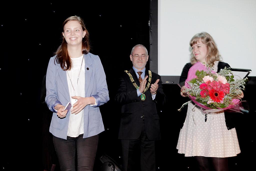 Leder Maria Dyrhol Sandvik, og Marie Hørlyck, tok i mot Christieprisen 2012...