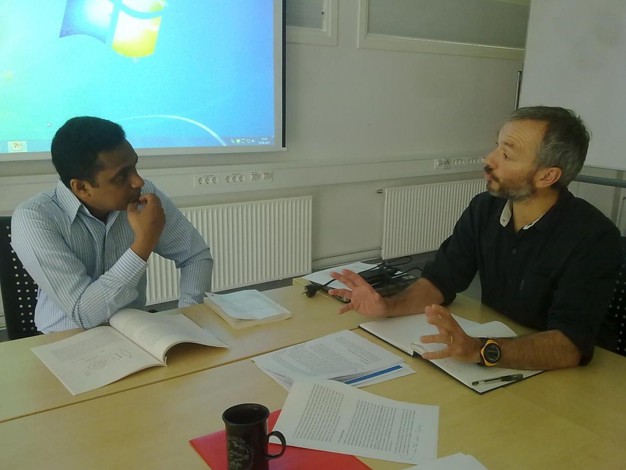 Ranga Jayawickrama and Christophe Pelabon discussing during the Master...