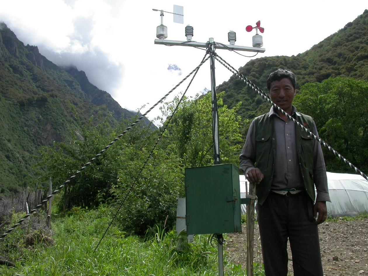 Automatic Weather station raised at Chibai (2980 masl) July 2005.
