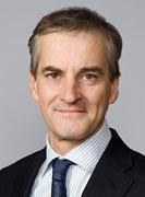 Utenriksminister Jonas Gahr Støre kommer til det årlige møtet for å diskutere...