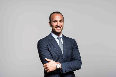 Mohamed El-khatib har en mastergrad i reservoarfysikk fra UiB. Nå jobber han som prosessingeniør i Aibel Bergen.