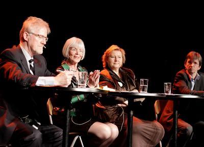 Disse debatterte forskningsuniversitetenes rolle i utviklingen av samfunnet:...