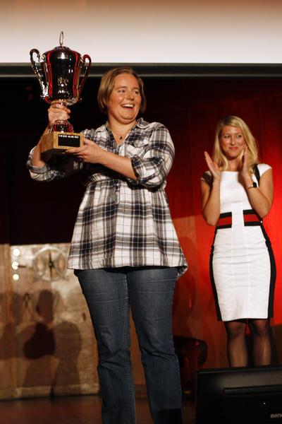 Ann-Kristin Molde vann pokalen i konkurranse med ni andre stipendiatar i 2010...