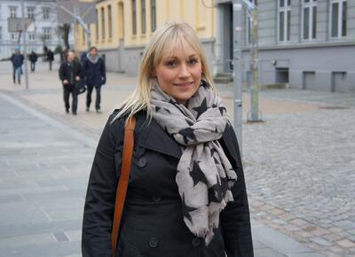 Kristine Nymark Aasen har tatt PPU ved UiB og trivs som lektor i vidaregåande...