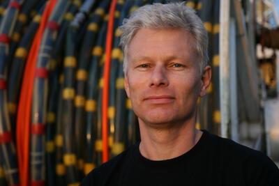 Professor Rolf Mjelde