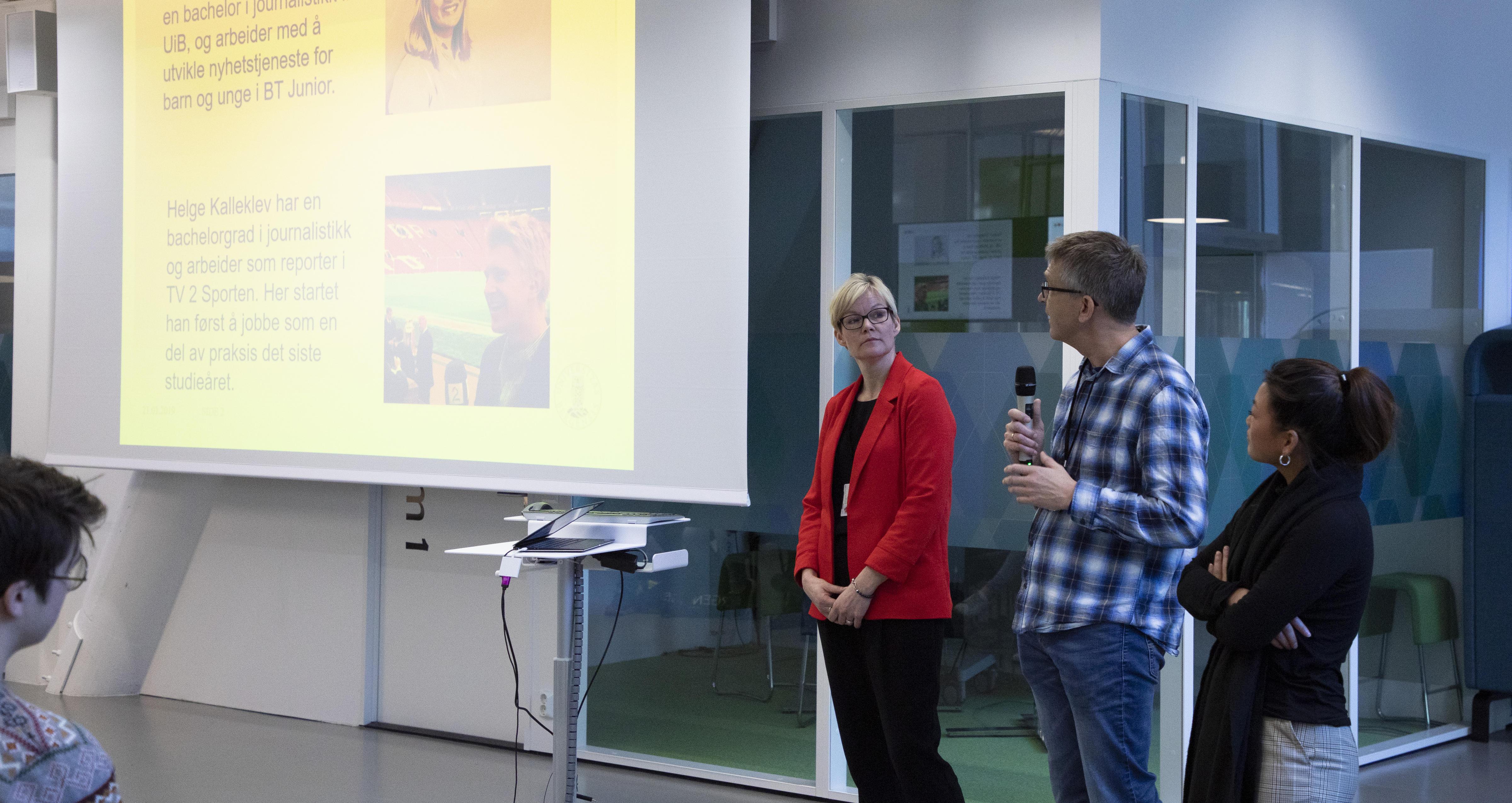 Kristine Holmelid, Lars Arve Røssland og Emma Aldal Sætre forteller om journalistikkstudiet
