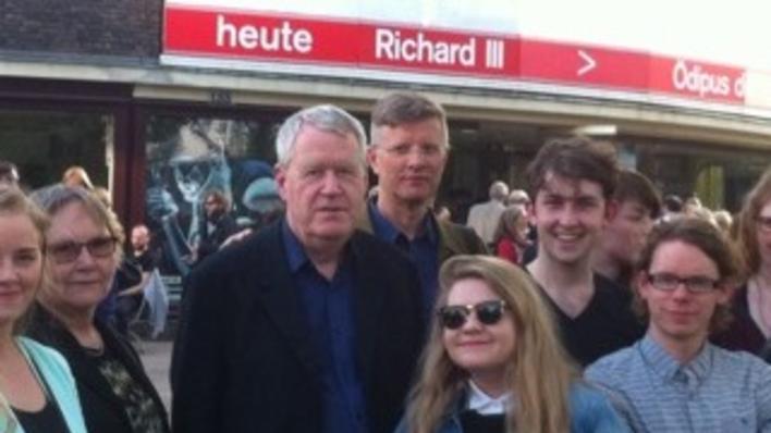 Knut Ove Arntzen og Keld Hyldig i Berlin sammen med studenter