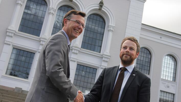 Rector Dag Rune Olsen and minister Torbjørn Røe Isaksen