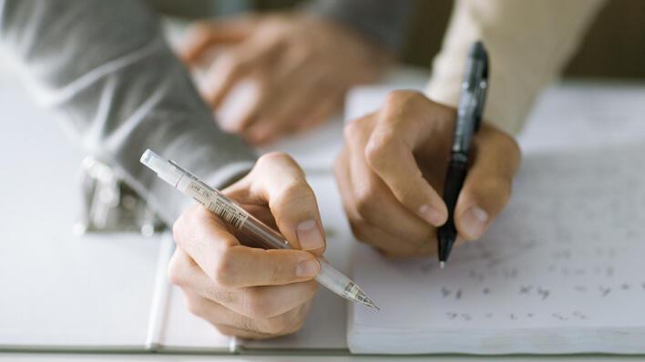 Skrivende hender