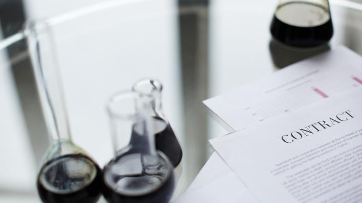 reagenskolber med olje