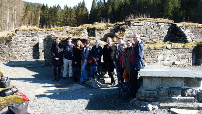 Gruppe fra Cambridge på ekskursjon til Lysekloster