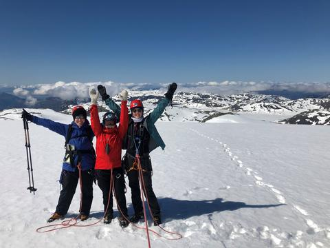 Rope team_foto: Petra, Margit and Sunniva on the top of the Folgefonna glacier