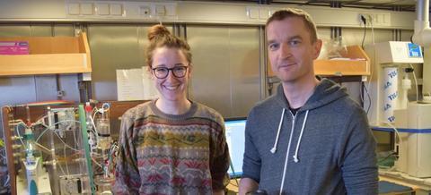 Friederike Fröb, ph.-student ved UiB og Bjerknessenteret og Are Olsen, forskningsleder for SNACS, krysset Nord-Atlanteren i april i fjor. Foto: Tor de Lange.