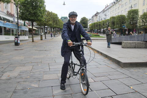Kenneth Hugdahl på den umulige sykkelen