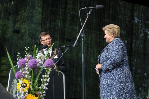Rektor sammen med statsministeren i 2015
