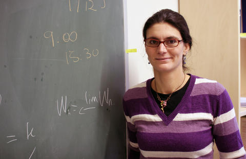 Sofia Tirabassi fra Bologna i Italia har vært ansatt som forsker ved UiB i ett år. Hun ønsker å få frem matematikkfaget for yngre generasjoner.