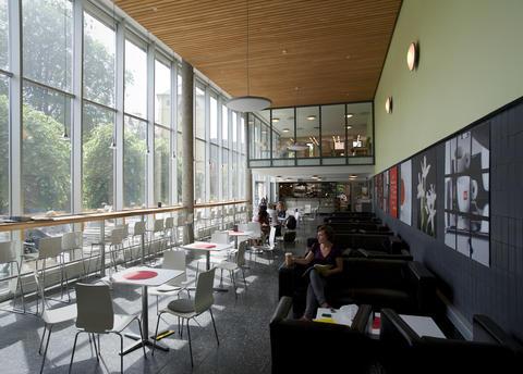 Kafeen i Universitetsbiblioteket. Foto: Irene Heggstad. Copyright: UiB