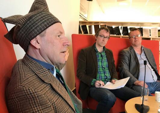 Samisk aktivist og kunstner Andy Somby, Aaron John Spitzer og Per Selle, UiB