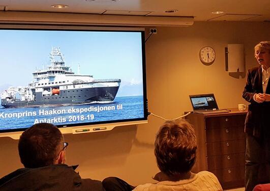 Direktør Sissel Rogne fra Havforskningsinstittutet foreller om Antarktisekspedisjonen ombord på FF Kronprins Haakon