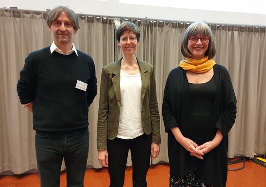 Deltakerne på seminaret deltok i en av tre parallellsesjoner, sesjoner som ble ledet av pedagogiske ressurspersoner fra hvert av lærestedene: (fra venstre) professor Rune J. Krumsvik (UiB), førsteamanuensis Hege Yvonne Hermansen (UiO) og leder av Tverrpro