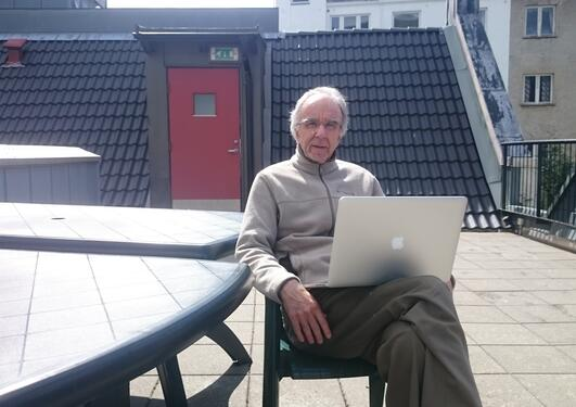 Prof. Alan T. Wood outside the Department of Comparative Politics