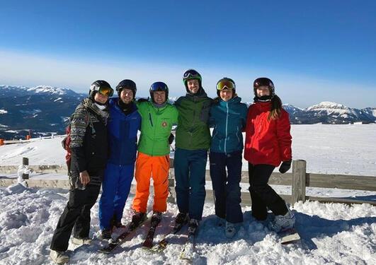 Bilete av studentar i Alpene