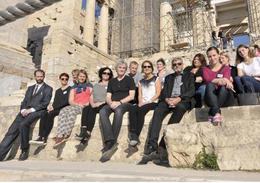 Seminardeltakere i historiske omgivelser