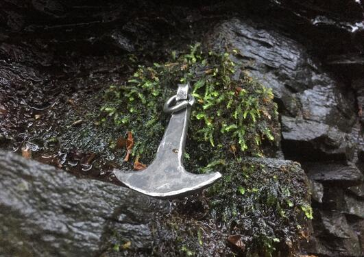 photo of the thunder deity Ukko's hammer