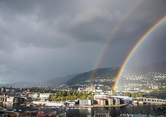 Regnbuer over Bergen