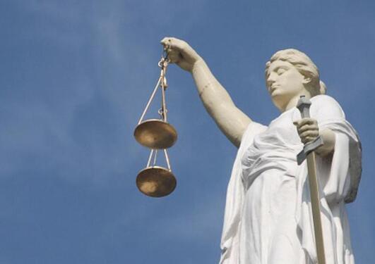 Statue som framstiller La justisia.