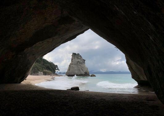 Picture of Cathedral Cove in New Zealand