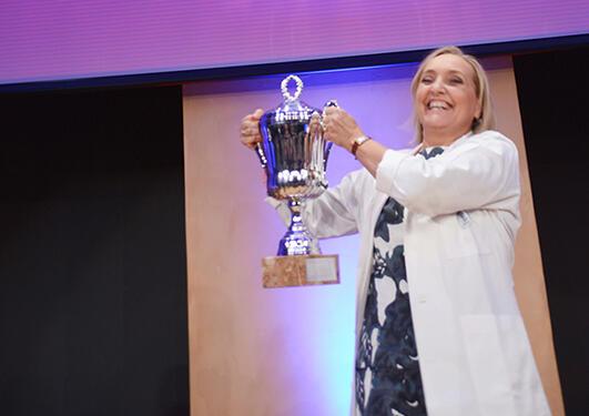 Bildet viser Cecilie som vant Forsker Grand Prix delfinale i Bergen 2015