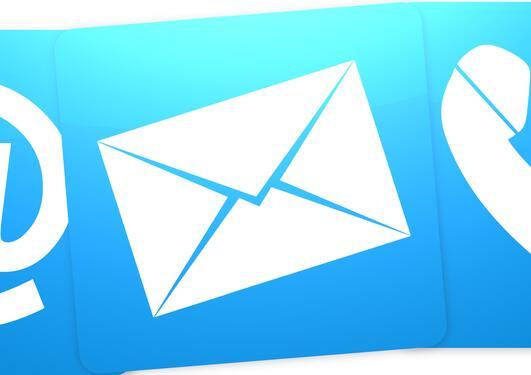 Bildet viser en alfakrøll, et brev og en telefon.