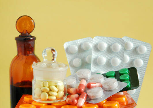 bilde av ulike tabletter