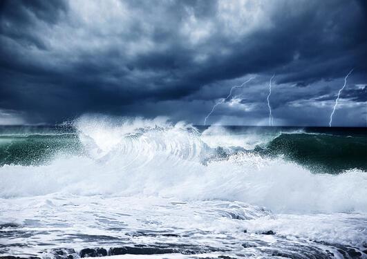 Voldsomme bølger i havet