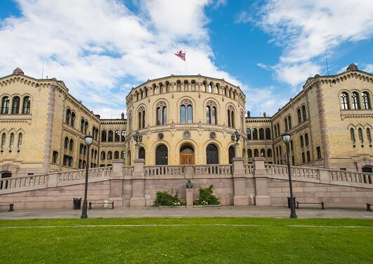 Picture of the Norwegian Parliament Building.