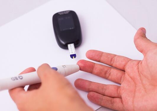 Diabetesprøve av finger