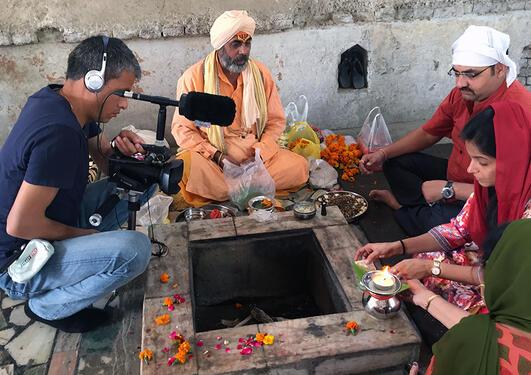 Filminnspilling i tempel i India