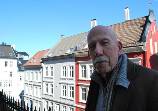 Professor Ezra Zubrow gjester for tiden UiB, hvor han holder en serie gjesteforlesninger.