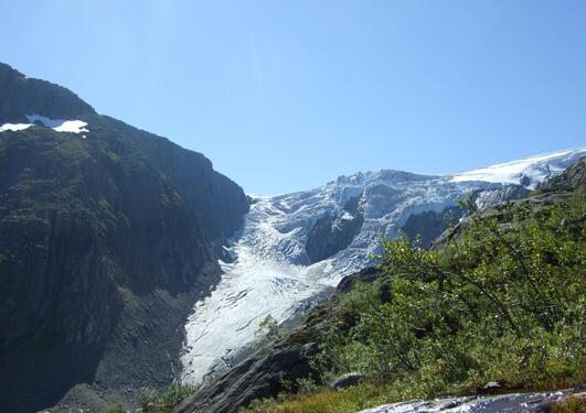 Nedre Buerbreen og øvre del av feltområdet.