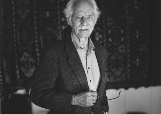 Portrett av Fredrik Barth