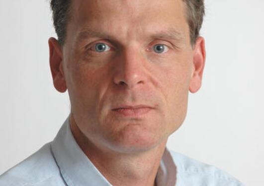 Professor Hans K. Hvide
