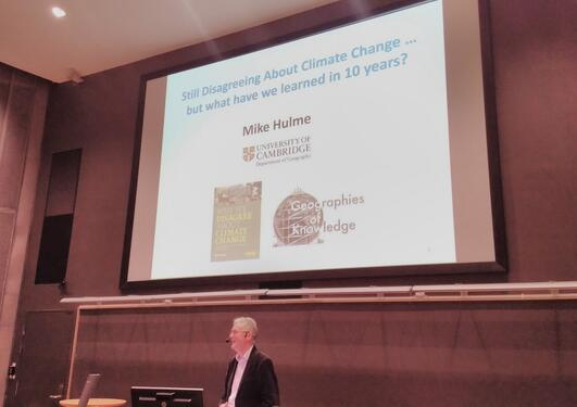 Mike Hulme held a guest lecture in Egget