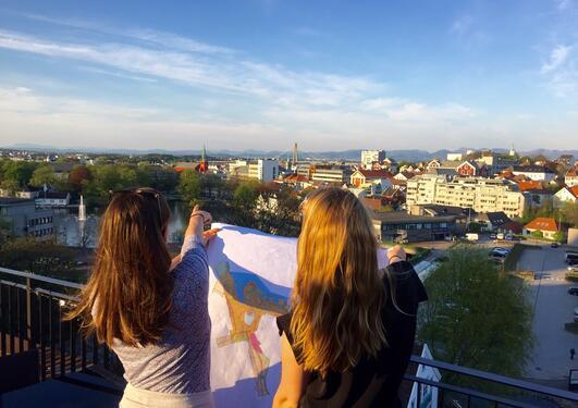 Her er studenter på regionalgeografisk feltkurs til Stavanger våren 2016.
