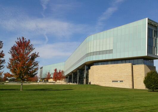Fasaden av Penn State Law