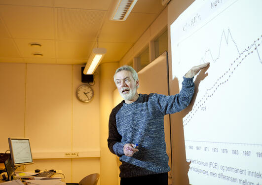 Professor Kjell Vaage