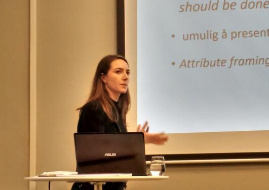 Rødeseike presenting