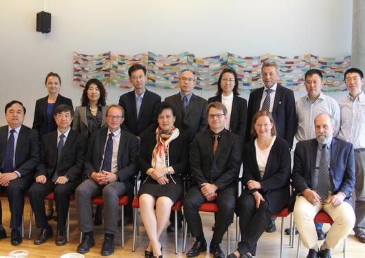 Kinesisk delegasjon på besøk til UiB