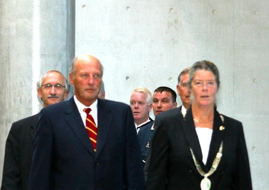 Kong Harald V under åpning av BBB 3. september 2003
